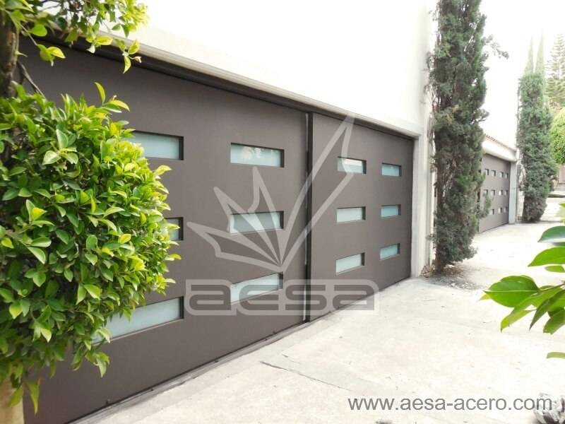 Imagen de portón corredizo a piso de dos hojas