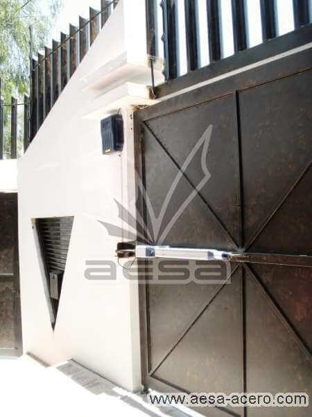 0190-5154-porton-liso-sencillo-adornos-aro-chapetones-vista-interior