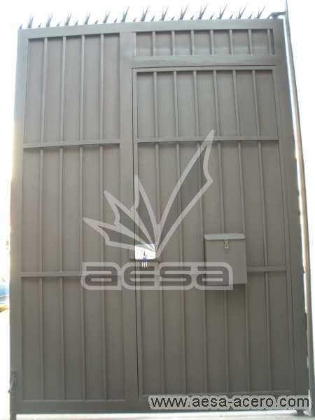 0220-544-porton-sencillo-economico-tablero-acanalado-metal-herreria-vista-interior