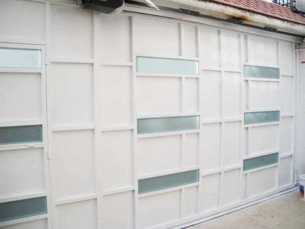 0280-512-porton-moderno-minimalista-vidrios-rectangulos-moda