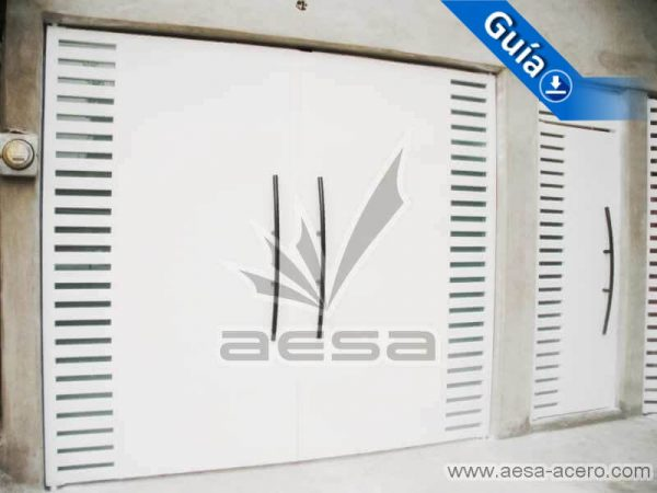 0300-116-porton-moderno-minimalista-rejilla-lateral-vidrio-jaladeras-curvas-instalacion