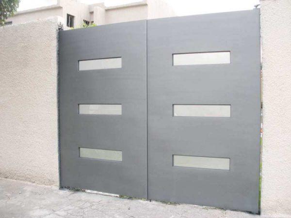 0310-512-porton-minimalista-rectangulos-vidrio-moderno-gris