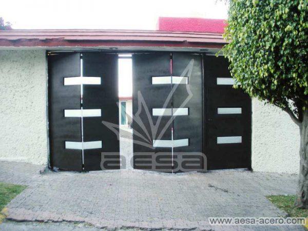 0370-512-porton-minimalista-rectangulos-horizontales-plegadizo-con-puerta-peatonal