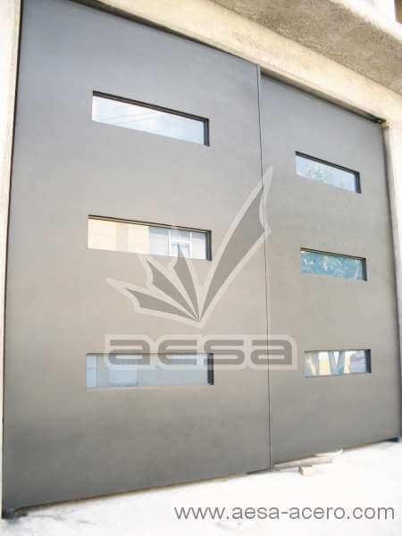 0401-512-porton-minimalista-vidrios-azules-moderno-original-instalacion