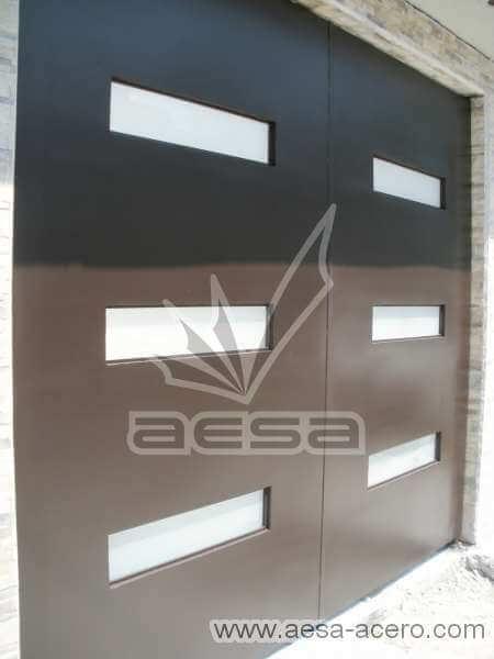 0420-512-porton-minimalista-vidrios-rectangulos-horizontales-moderno-original