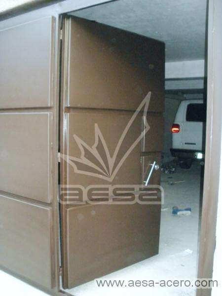0450-593-porton-moderno-rectangulos-relieve-con-puerta