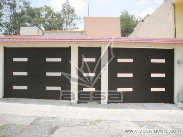 0480-512-porton-minimalista-moderno-ventanas-rectangulares-vidrio-juego-puerta