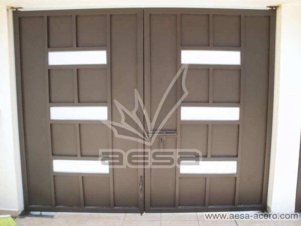 0480-512-porton-minimalista-moderno-ventanas-rectangulares-vidrio-sin-forro-interior