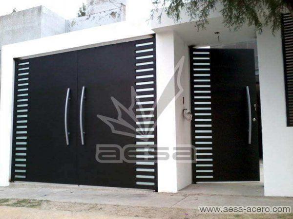 0550-116-porton-minimalista-rejilla-lateral-jaladeras-grandes-curvas-juego-puerta-con-porton