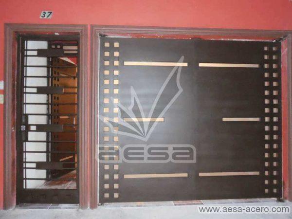 0610-117-porton-minimalista-cuadricula-lados-vidrios-rectangulares-angostos-proteccion