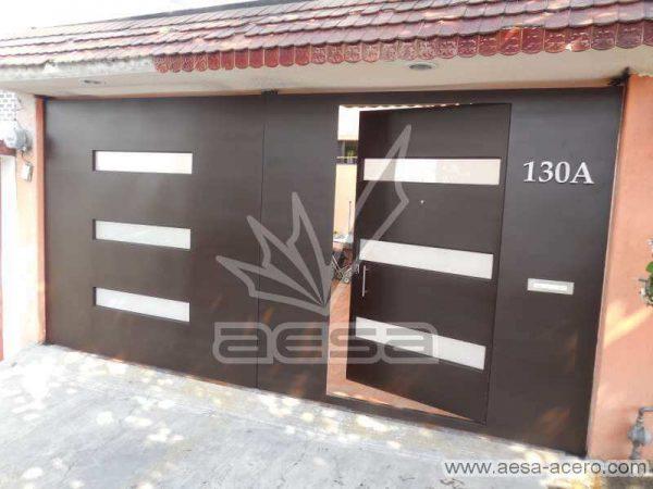 0660-512-porton-minimalista-vidrios-horizontales-moderno-puerta-integrada-puerta