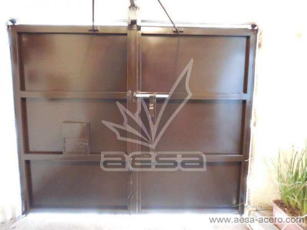 0750-591entalu-porton-moderno-recuadros-rectangulos-charolas-con-tiras-soleras-aluminio-sin-forro-interior