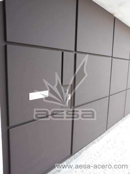 0760-592-porton-moderno-charolas-rectangulares-puerta-integrada