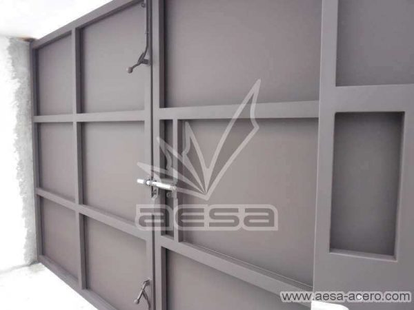0760-592-porton-moderno-charolas-rectangulares-seguridad-pasadores