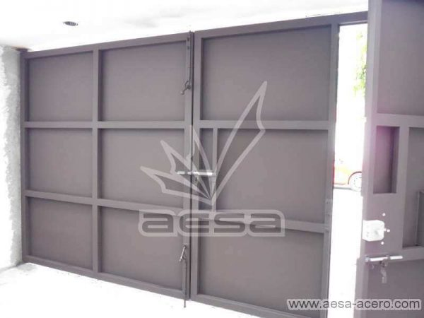 0760-592-porton-moderno-charolas-rectangulares-sin-forro-interior