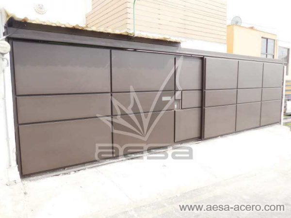 0860-592-porton-moderno-charolas-rectangulares-sin-marquesina-puerta-peatonal-integrada