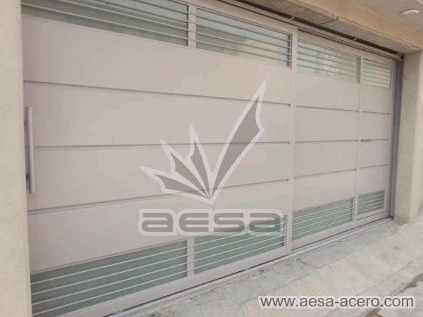 0880-5832-porton-minimalista-charolas-vidrios-rejilla-moderno-lineas-horizontales
