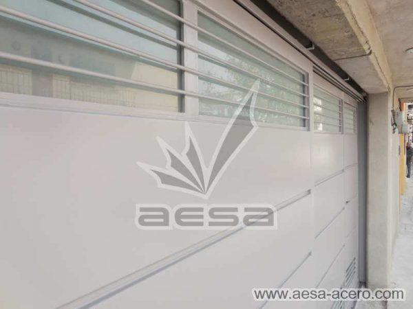 0880-5832-porton-minimalista-charolas-vidrios-rejilla-moderno-protegidos