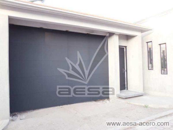 0910-5813-porton-liso-lamina-entrecalle-placa-plegadizo-acordeon-fachada