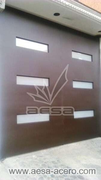 0940-512-porton-minimalista-vidrios-rectangulares-moderno-esmerilado