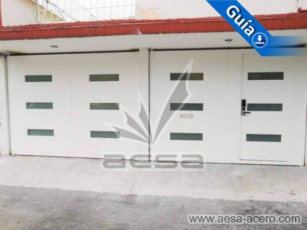 0980-512-porton-minimalista-vidrios-rectangulares-moderno-con-puerta-integrada