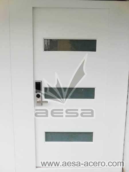 0980-512-porton-minimalista-vidrios-rectangulares-moderno-puerta-chapa-electronica