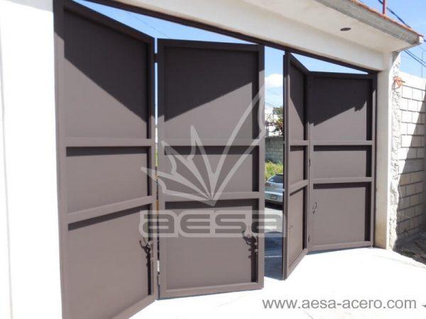 1020-592-porton-moderno-minimalista-rectangulos-relieve-plegadizo-vista-interior