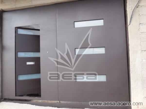 1030-512-porton-minimalista-vidrios-rectangulares-moderno-puerta-disimulada-en-hoja
