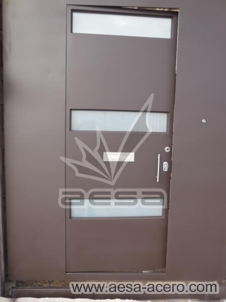 1030-512-porton-minimalista-vidrios-rectangulares-moderno-puerta-frente