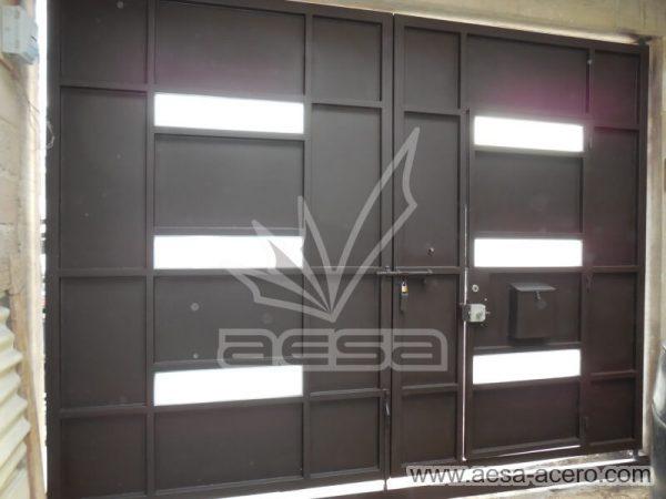 1030-512-porton-minimalista-vidrios-rectangulares-moderno-sin-forro-interior
