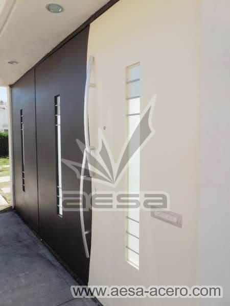 1070-113-porton-moderno-vidrio-cental-batiente-curvo-bicolor-buzon