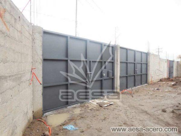 1100-593-porton-moderno-rectangulos-cuadros-relieve-salidos-instalacion-vista-interior