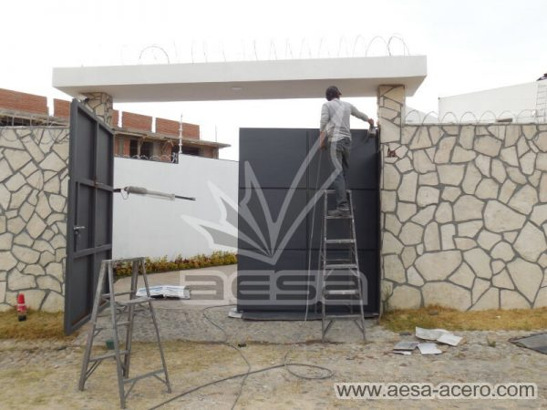 1100-593-porton-moderno-rectangulos-cuadros-relieve-salidos-pintura-instalacion