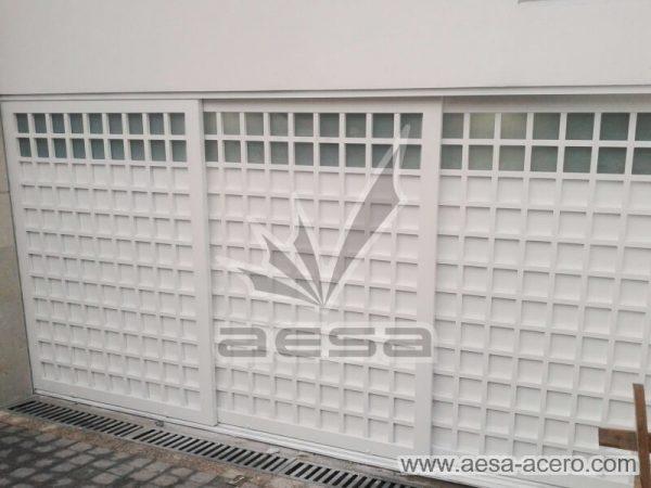 1120-5234-porton-cuadricula-completa-vidrios-luz-superior-corredizo-piso