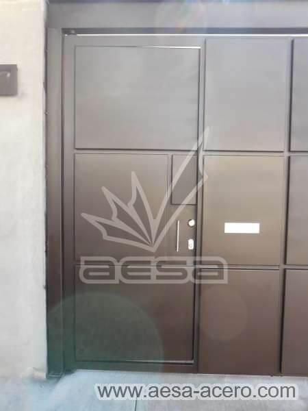 1160-593-porton-moderno-minimalista-rectangulos-relieve-salidos-viga-superior-puerta