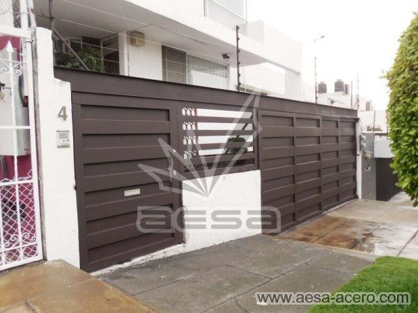 1180-599-porton-minimalista-paneles-rectangulares-viga-superior-diseno-moderno