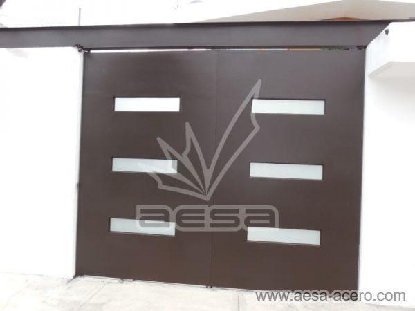 1280-512-porton-minimalista-vidrios-rectangulares-moderno-viga-superior-acrilico-blanco