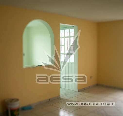 0010-273-puerta-sencilla-tablero-vidrio-exterior-herreria-economica