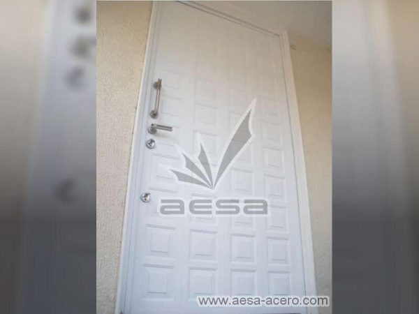 0070-2141-puerta-paneles-metalicos-lamitec-acero-herreria