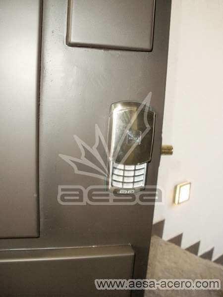 0100-591-puerta-paneles-charolas-rectangurales-moderna-minimalista-acero