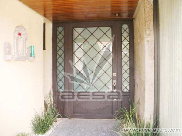 0110-2152-puerta-principal-rombos-cuadricula-nudos