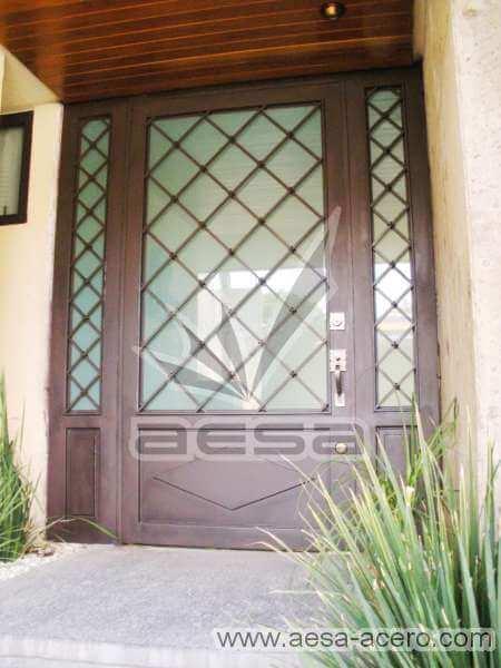 0110-2152-puerta-principal-rombos-cuadricula-nudos-chocolate-vidrio