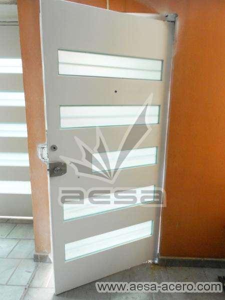 0150-5632-puerta-minimalista-vidrios-rectangulares-moderna-seguridad-herreria-acero