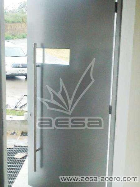 0170-2243-puerta-principal-lisa-remaches-seguridad-color-aluminio