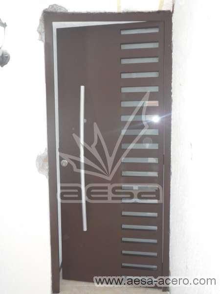 0290-116-puerta-minimalista-rejilla-lateral-vidrio-jaladera-curva