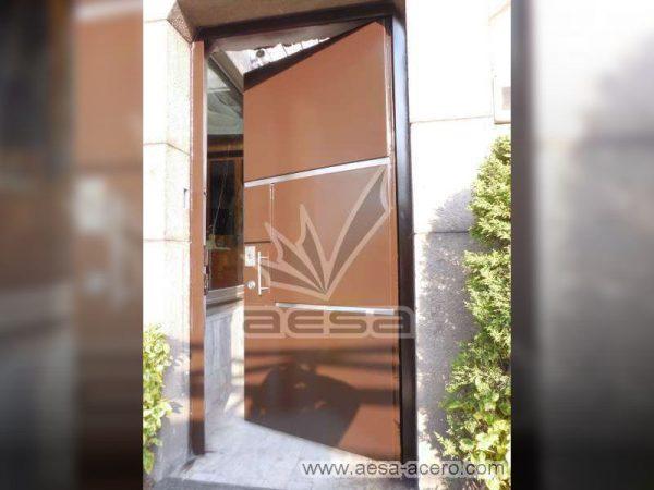 0310-591entalu-puerta-rectangulos-tiras-aluminio-lisa-moderna