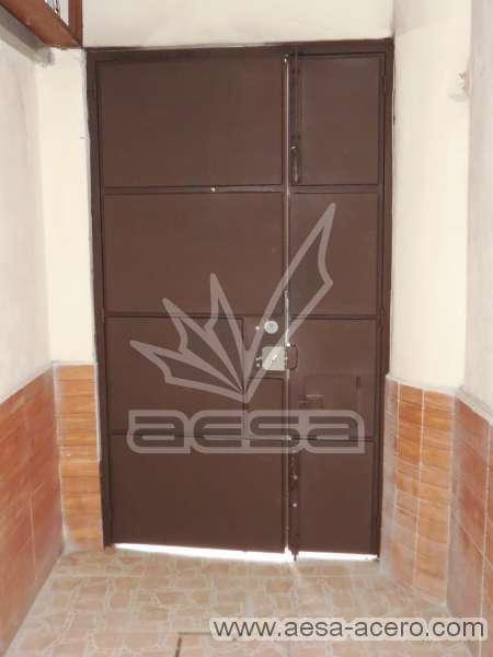 0320-597-puerta-rectangulos-aleatorios-lisa-moderna-metalica-chocolate