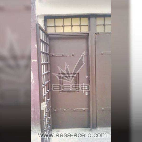 0330-5223c-puerta-remaches-cuadro-moderna