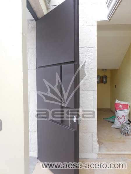 0380-593-puerta-moderna-rectangulos-salidos-botados-lisa-minimalista-segura