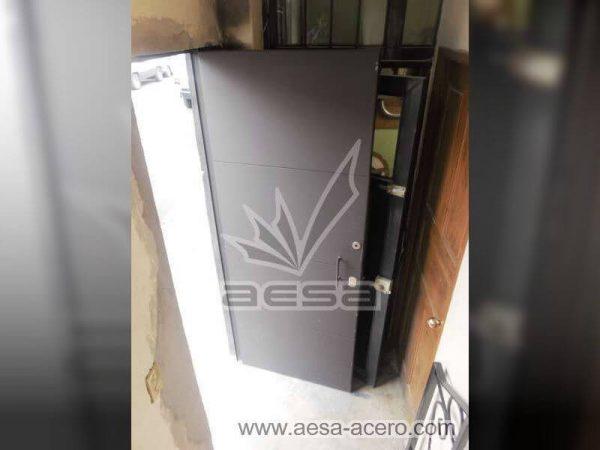 0410-5813-puerta-lisa-entrecalle-seguridad-herreria-metalica-industrial